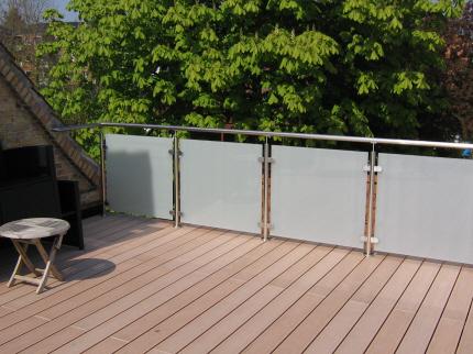 rækværk til terrasse træ