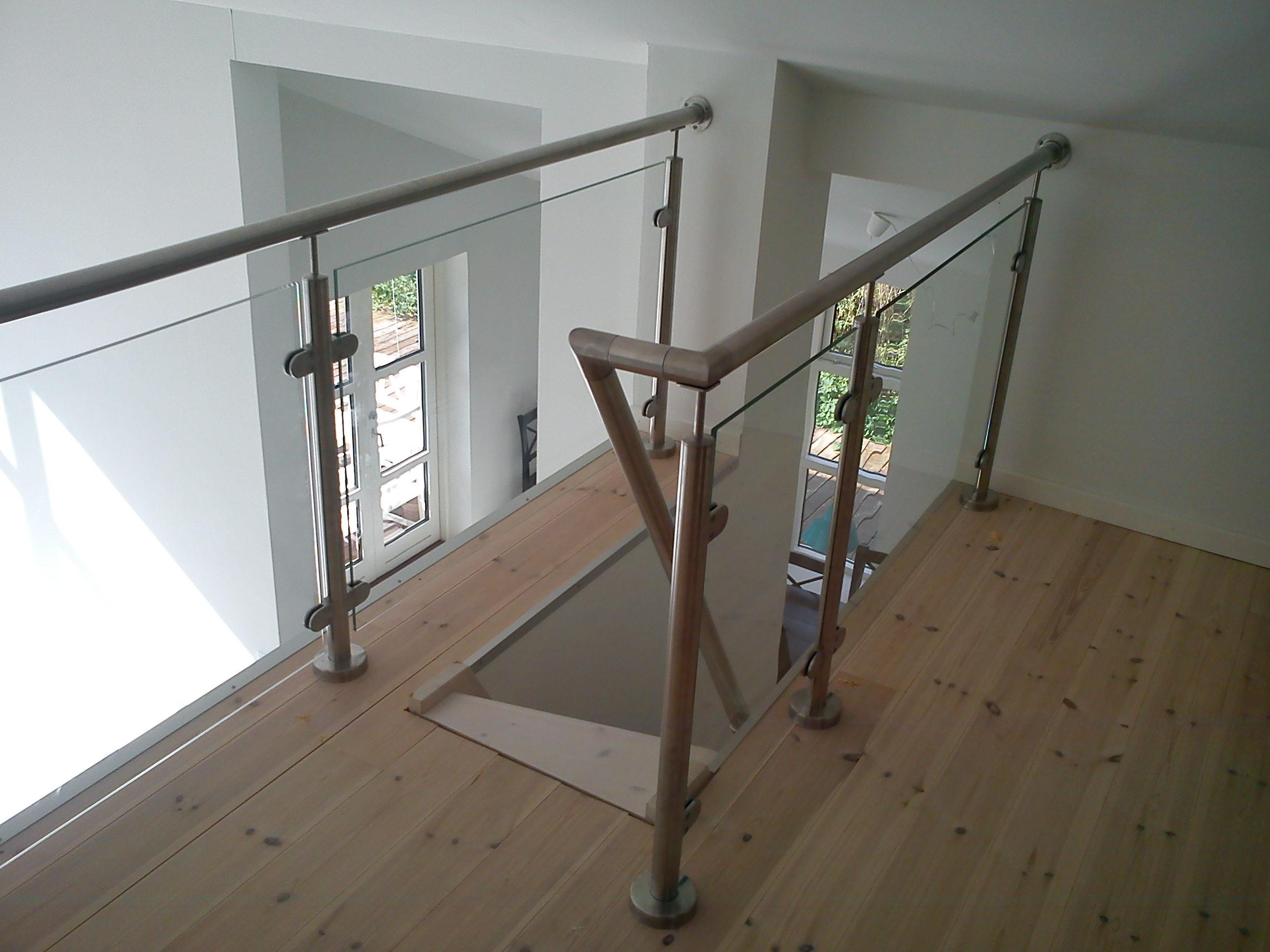 hems r kv rk indend rs trappe gel nder crosinox staal glas r kv rk montering pris salg tilbud. Black Bedroom Furniture Sets. Home Design Ideas
