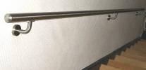 Håndliste, af rustfrit stål,Håndlister af rustfrit stål, samlet og klar til montering på væg.