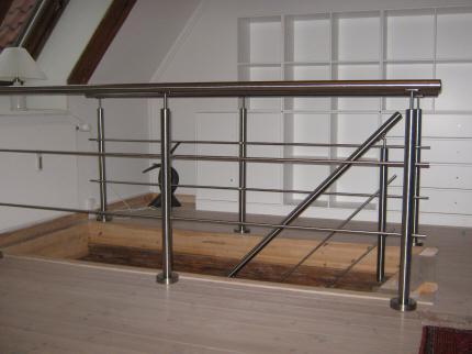 Gelænder indendørs stål