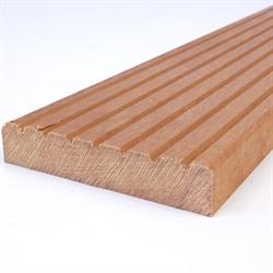 Bangkirai terrassebrædder 21x145 mm rillet/glat priser, pr. mtr. Bangkirai er en grov, meget slidstærkt og varig hårdttræ-art. Bangkirai er en træsort af familien Shorea laevis. Bangkirai er et mellemgroft træ med spredte, fyldte porer og talrige harpikskanaler. Bangkirai terrassebrædder har Barfodsprofil / riller, Forsiden har en smårillet profil og bagsiden er glat, dog ikke finhøvlet.