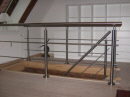 Indendørs trappe Crosinox: Montering af trappe- gelænder rækværk og håndliste i rustfrit-stål.