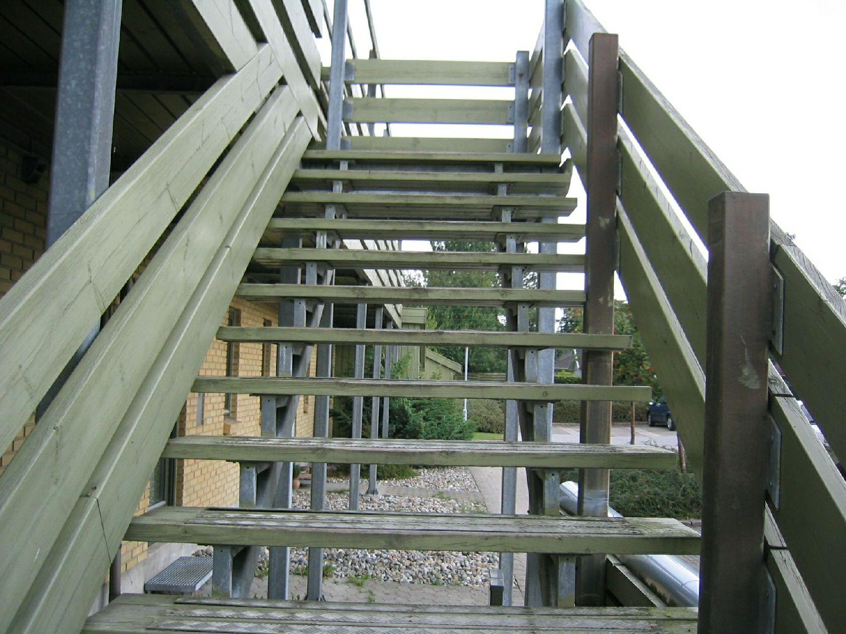 Picture of: Traetrin Trae Trappetrin Udskiftning Til Standard Stal Pladetrin Montering Tilbud Pris Scholler Stal Trappe